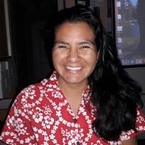 Head short of Elena Arroyo